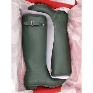HUNTER Tall GREEN Matte Rain Boots 9 Women's shoe…